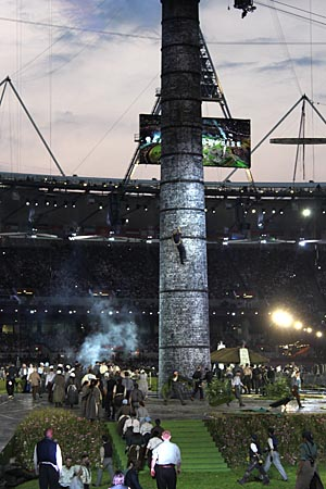 Opening Ceremony Steeplejack